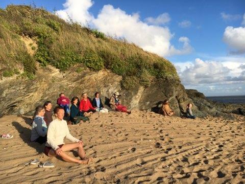 Atelier de médiation sur la plage par la FFY